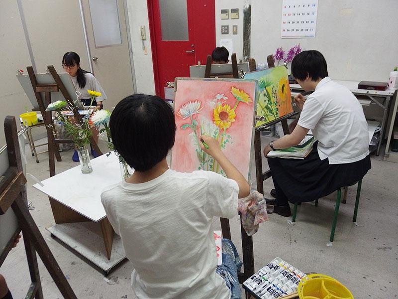 中学生クラスの制作風景
