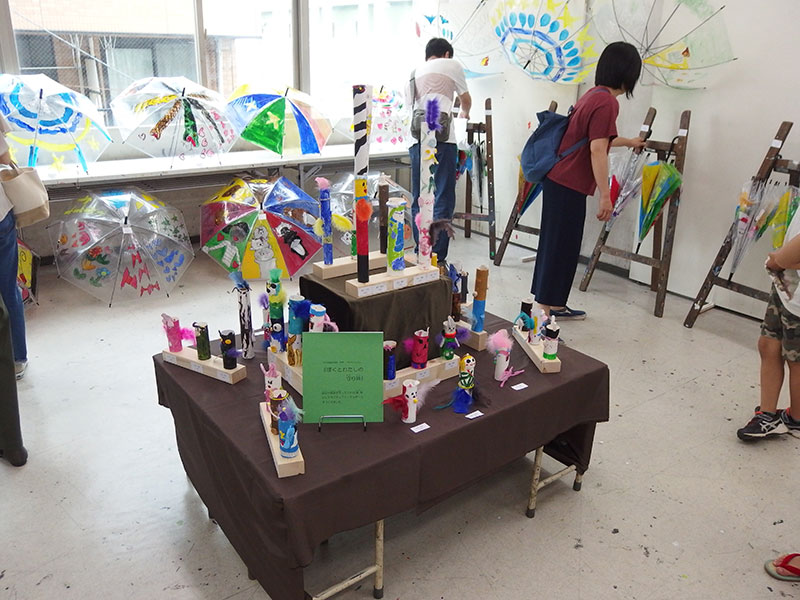 子ども絵画造形教室低学年の展示室