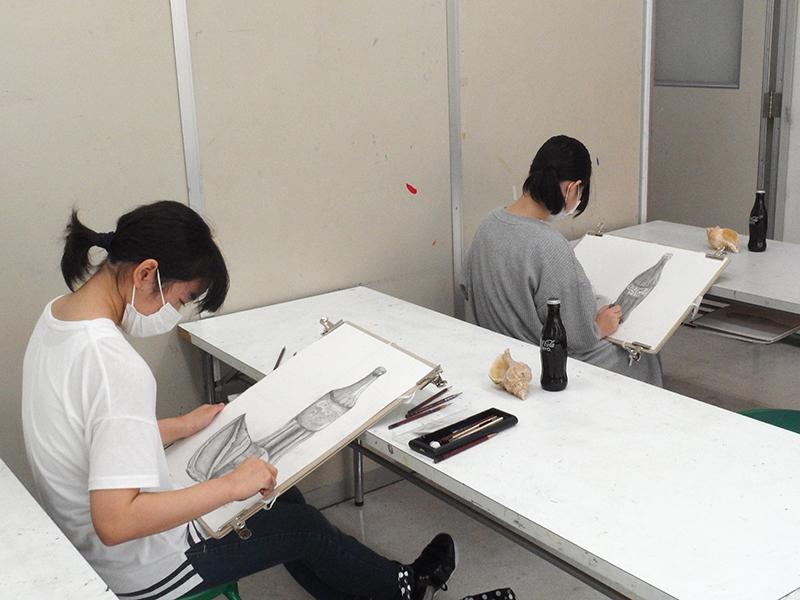 中学生美術科授業風景