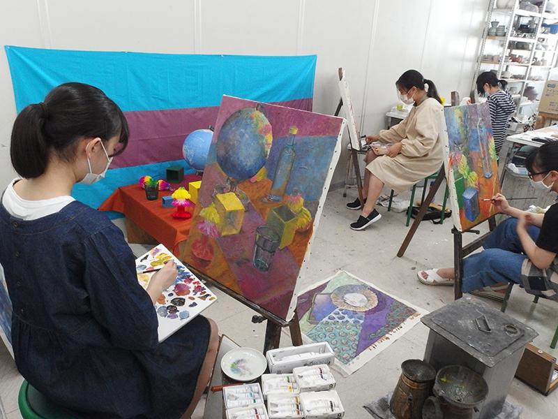 夏期講習会絵画科の授業風景